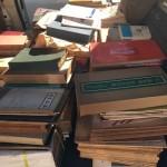 故宮法書選など書道書や紅星碑などの書道用半紙をお伺いお譲り頂きました