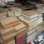 江戸読本の研究など国文学関係の古書を出張にてお譲り頂きました