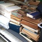 篆刻書や書道書、手漉和紙等の本をお譲り頂きました