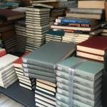 大学図書館の印やラベルが貼ってある除籍本を出張買い取りさせて頂きました