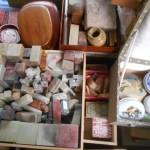 篆刻書と共に石印材や篆刻刀など篆刻道具をお売り頂きました